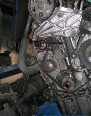 zahnriemen-xu-motor-ersetzen-4——————27