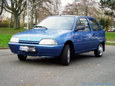 1994er Citroën AX Tonic in bleu Curaçao #02