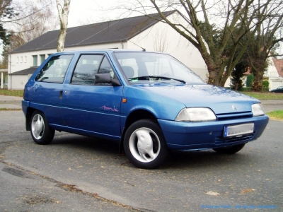 1994er Citroën AX Tonic in bleu Curaçao #04