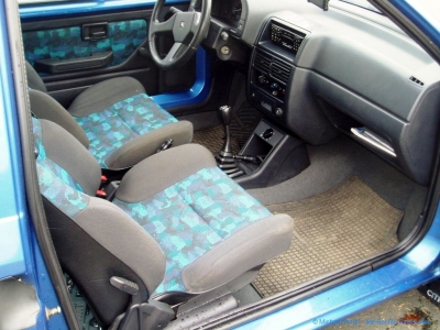 1994er Citroën AX Tonic in bleu Curaçao #06
