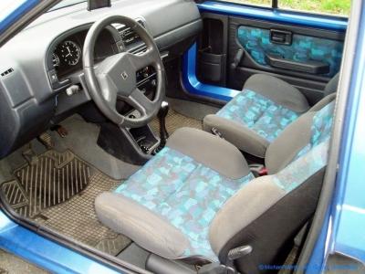 1994er Citroën AX Tonic in bleu Curaçao #07