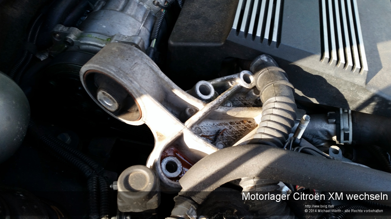 Motorlager_oben_und_unten_Citroen_XM_wechseln-23