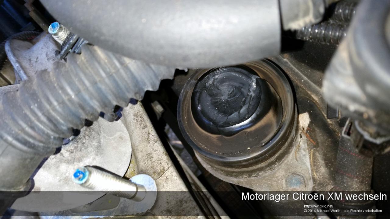 Motorlager_oben_und_unten_Citroen_XM_wechseln-24
