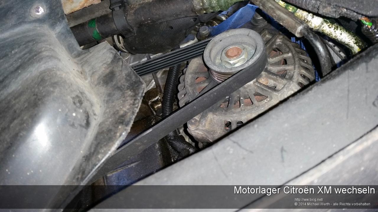 Motorlager_oben_und_unten_Citroen_XM_wechseln-32