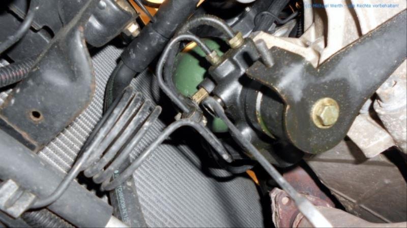 citroen_xm_v6_prv_bremsdruckspeicher_diravi-kugel_hauptdruckspeicher_ersetzen_02