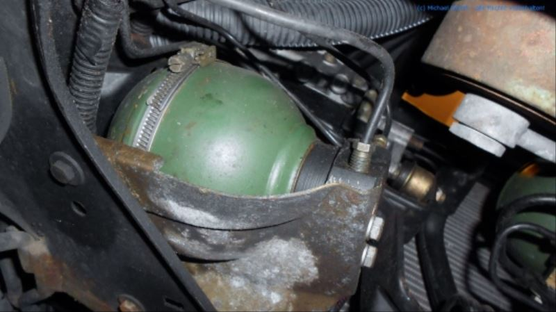 citroen_xm_v6_prv_bremsdruckspeicher_diravi-kugel_hauptdruckspeicher_ersetzen_03