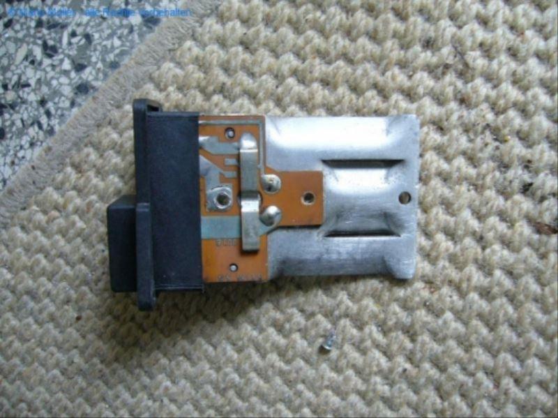 Citroen BX - Kondensator_freilegen_07