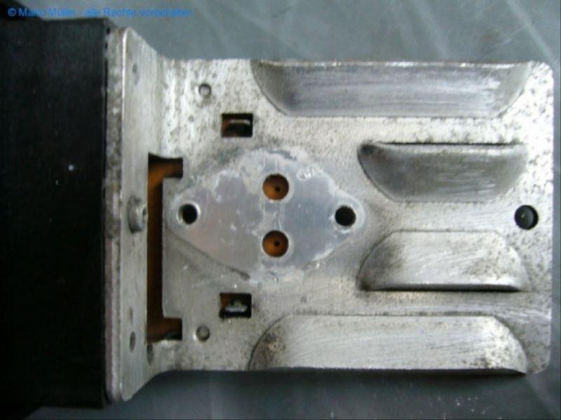 Citroen BX - Kondensator_freilegen_11