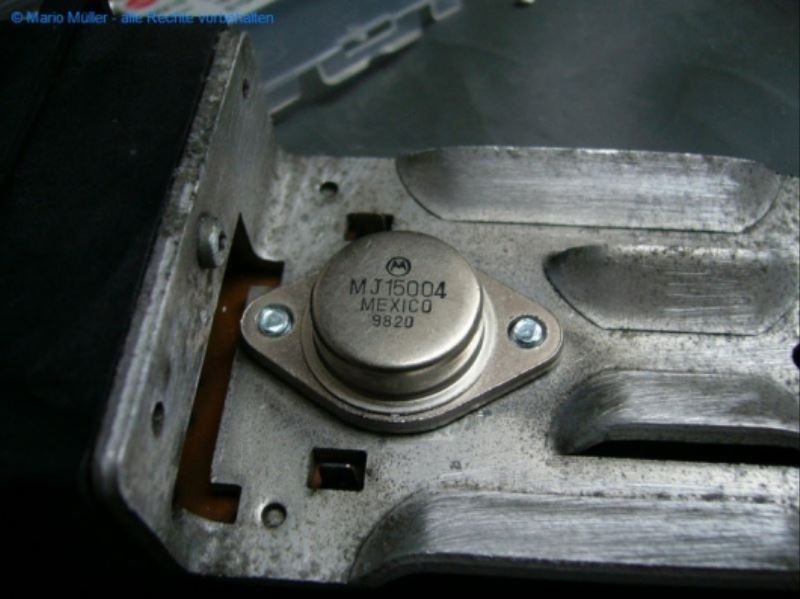 Citroen BX - Kondensator_freilegen_14