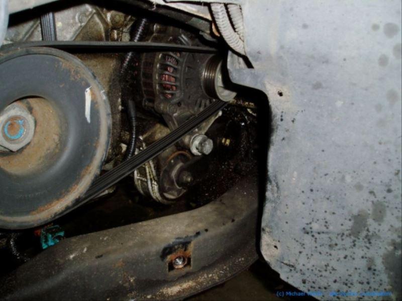 lichtmaschine_V6_ZPJ_motor_ausbauen_citroen_xm_peugeot_605_05
