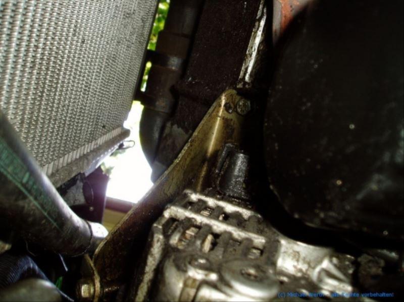 lichtmaschine_V6_ZPJ_motor_ausbauen_citroen_xm_peugeot_605_07