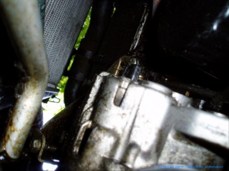 lichtmaschine_V6_ZPJ_motor_ausbauen_citroen_xm_peugeot_605_08