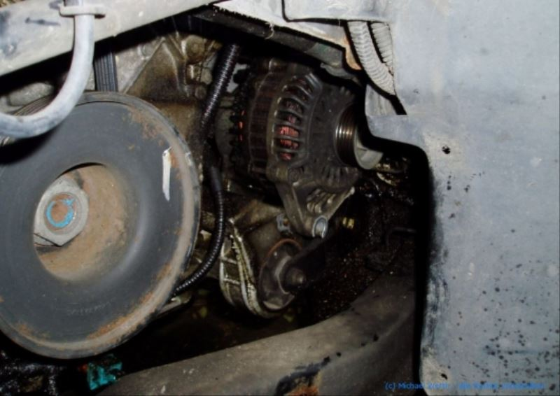 lichtmaschine_V6_ZPJ_motor_ausbauen_citroen_xm_peugeot_605_11
